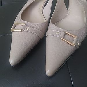 Talbot's slingback w gold side buckle